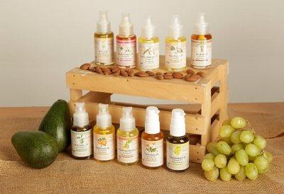 Ebenfalls als Gesichtsöl geeignet: unsere reinen, pflanzlichen Öle